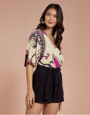 Shorts color com faixa