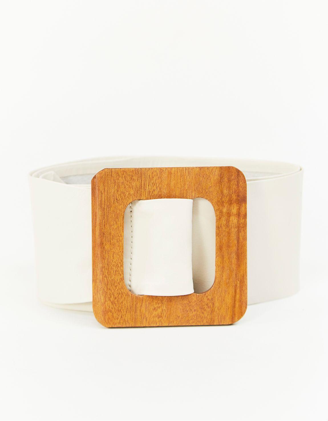 Cinto largo off white fivela de madeira