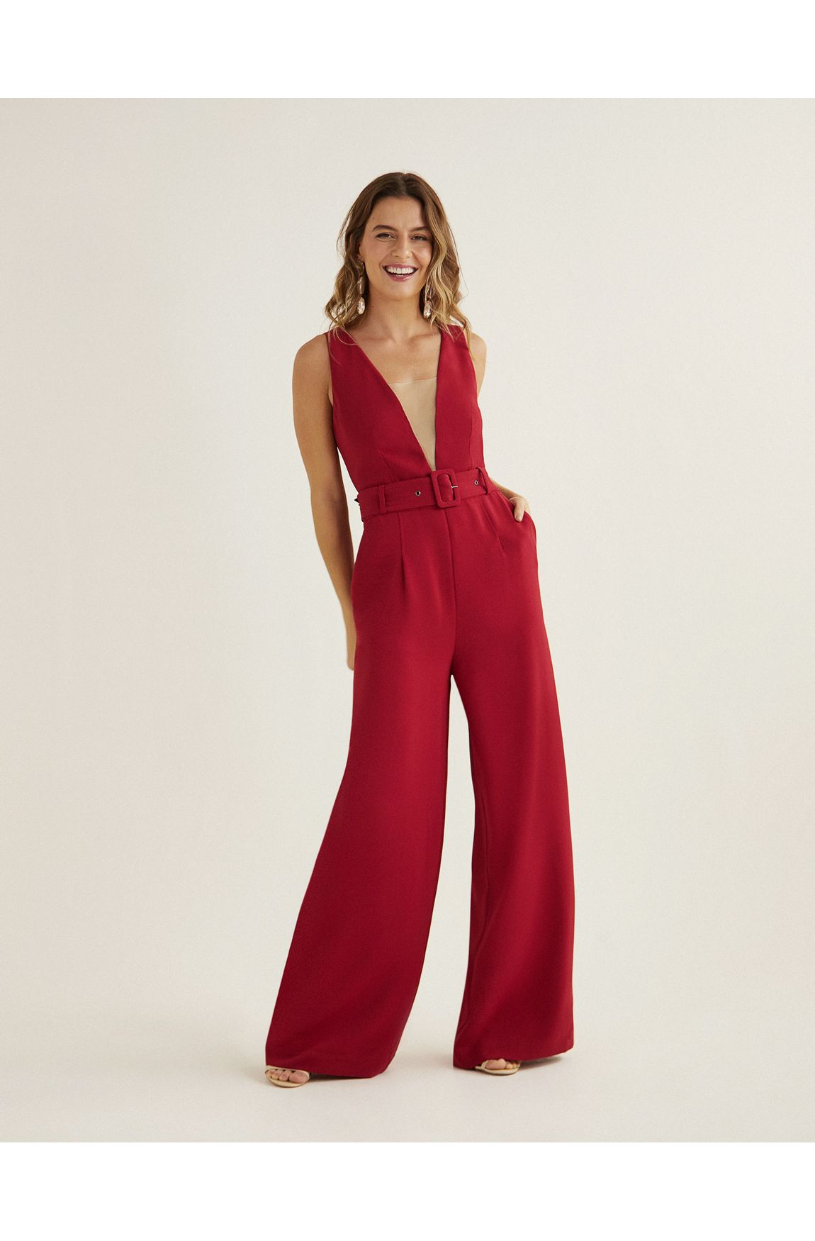 Macacao pantalona com decote de tela