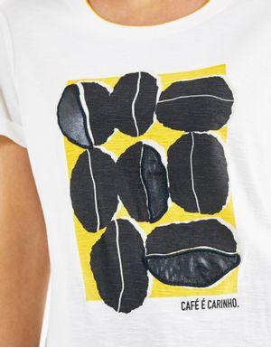 T-shirt café e carinho