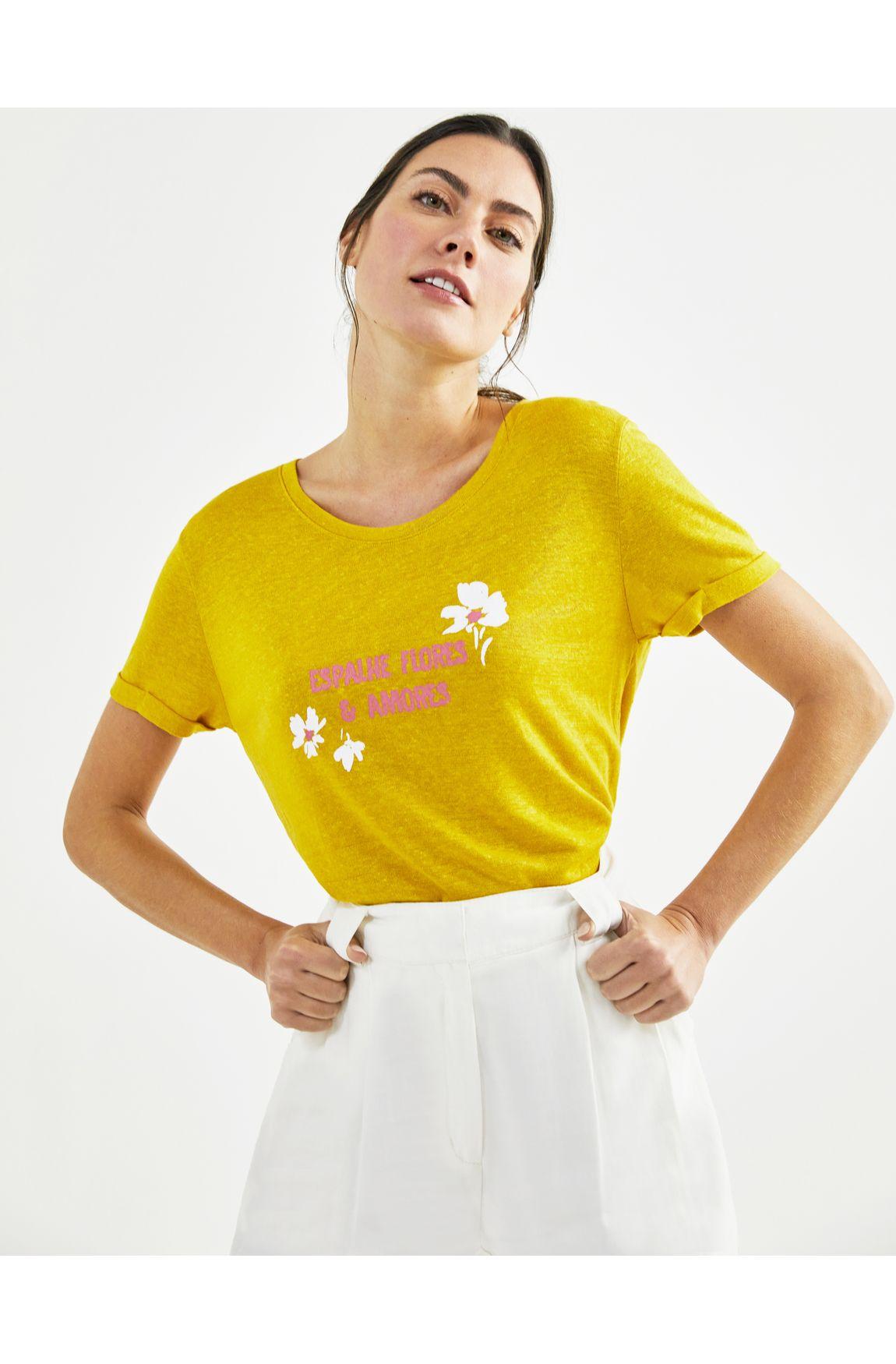 T-shirt espalhe flores e amores