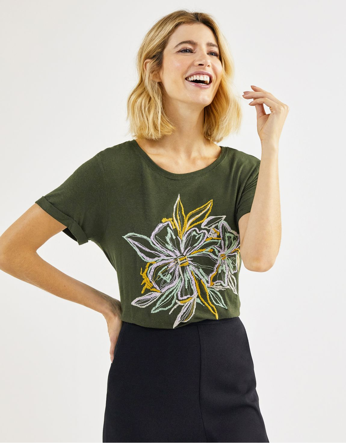 T-shirt bordada flor