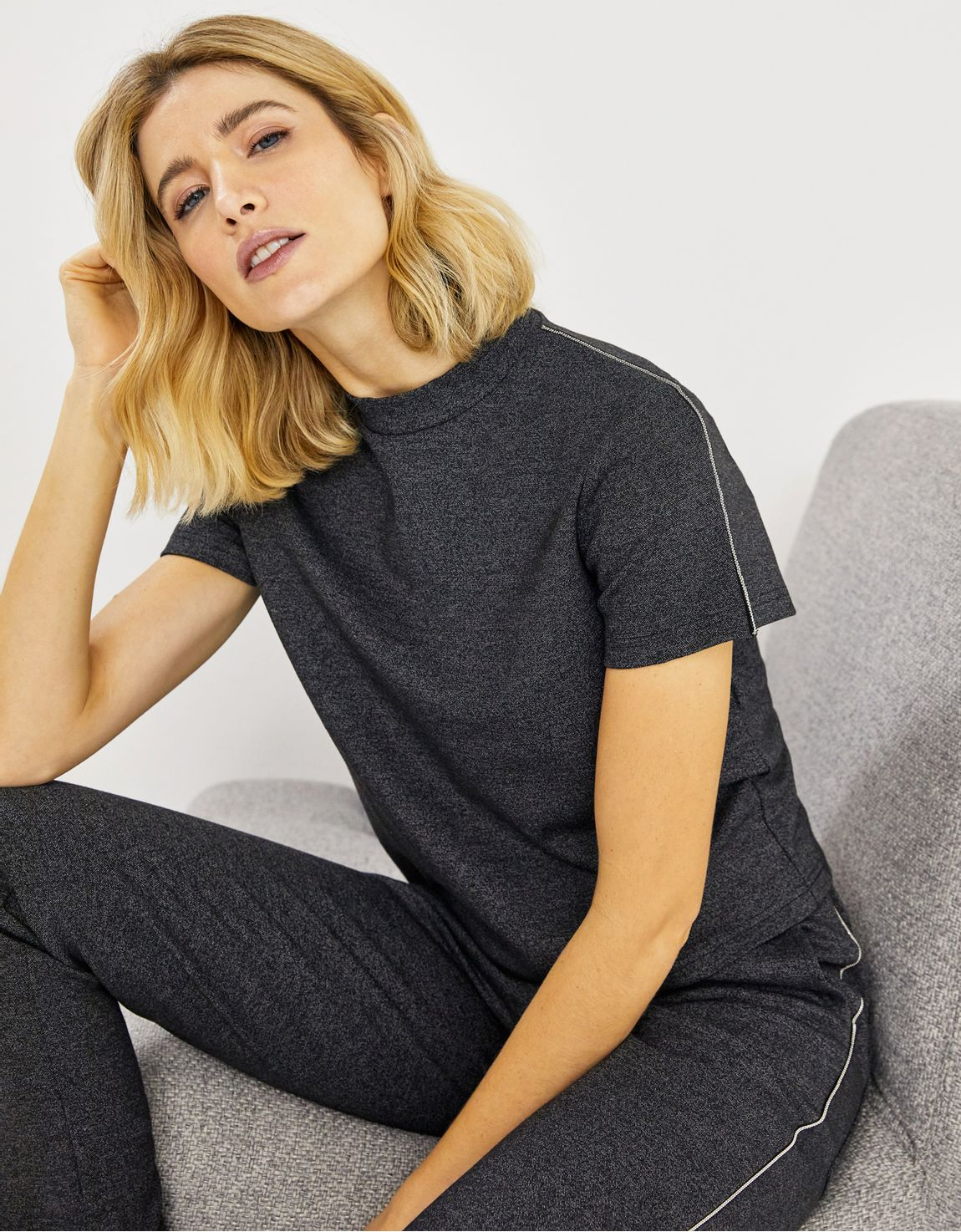 T-shirt estruturada malha mescla
