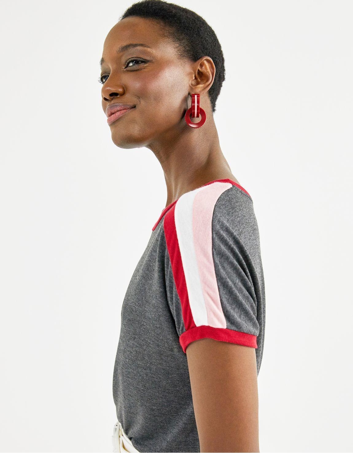 T-shirt faixa ombro