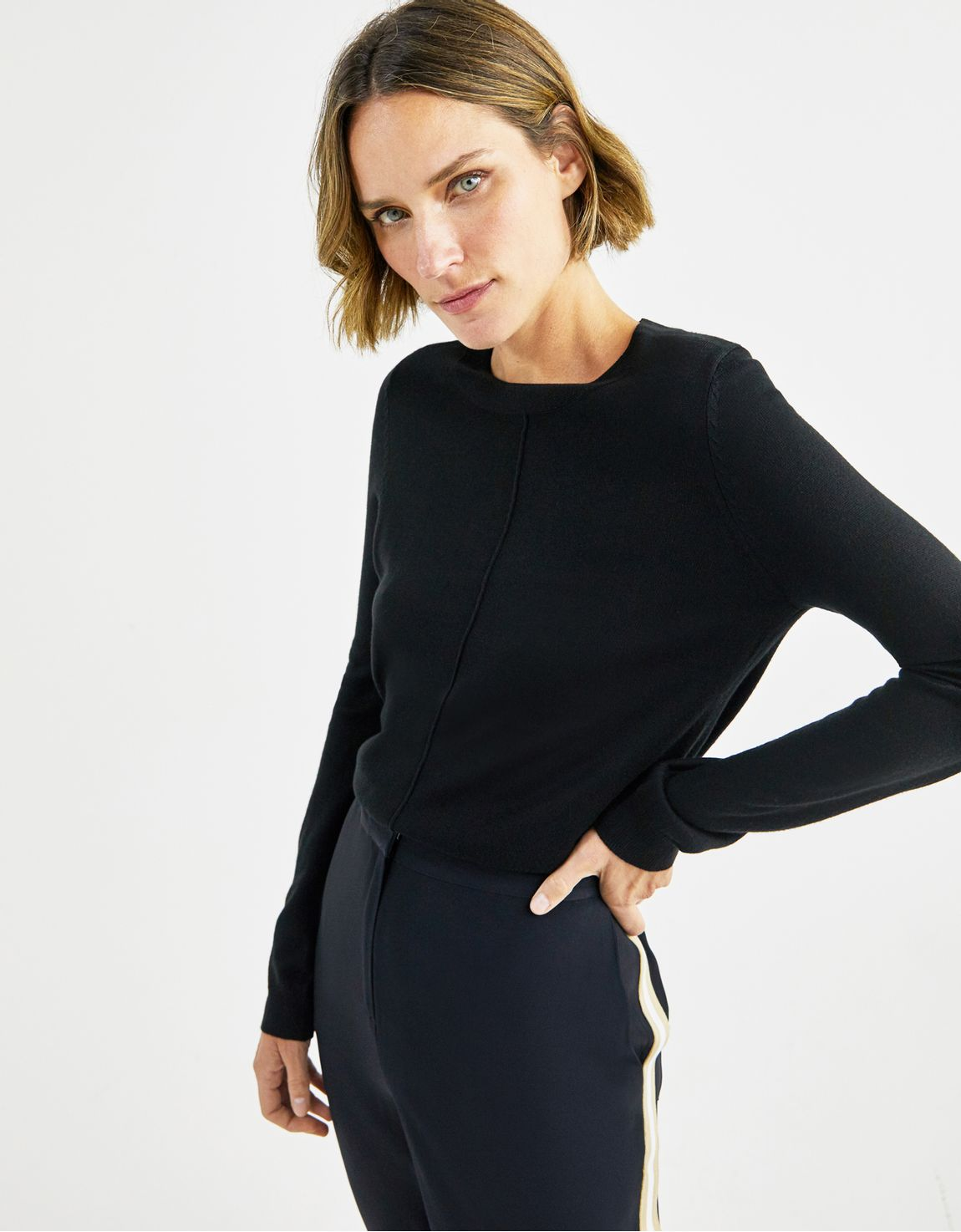 Blusa tricot basico decote redondo