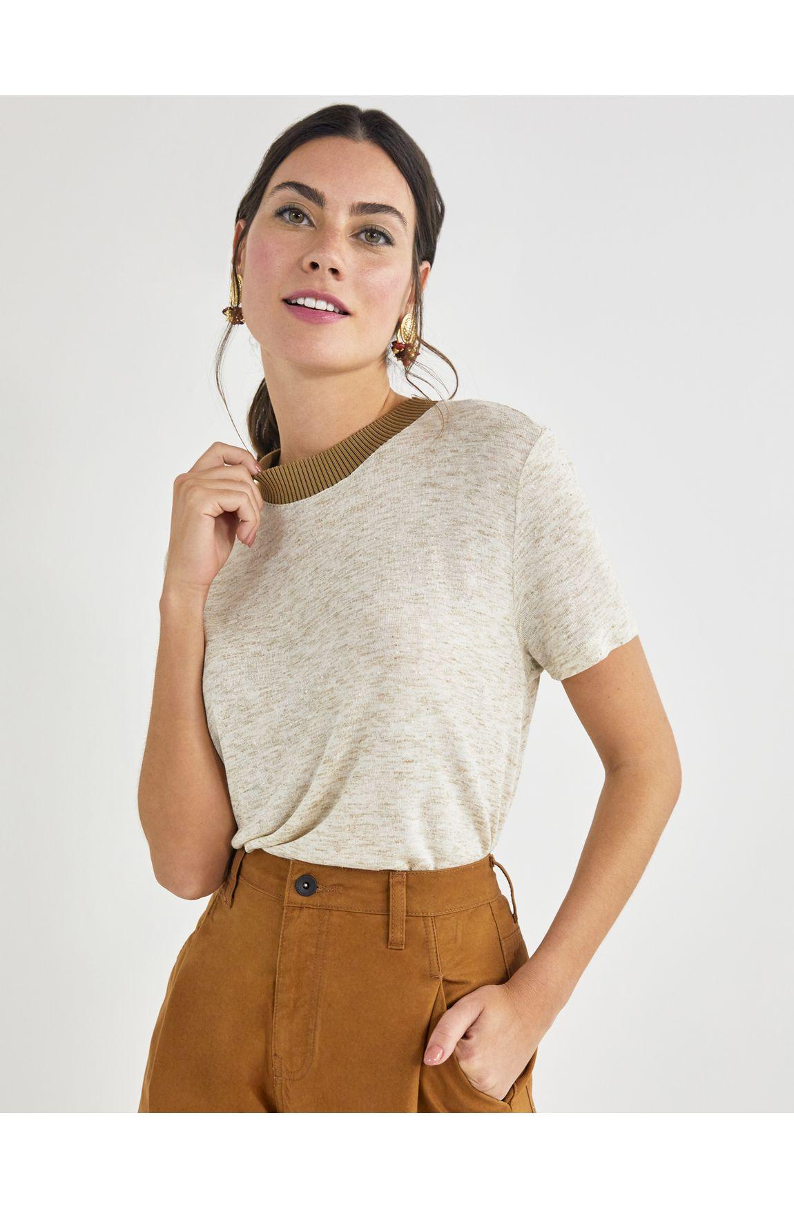 T-shirt retilínea canelada