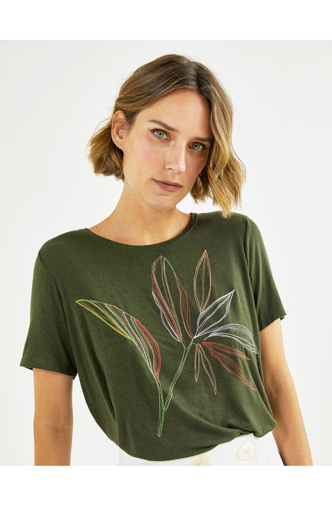T-shirt bordada folhagem