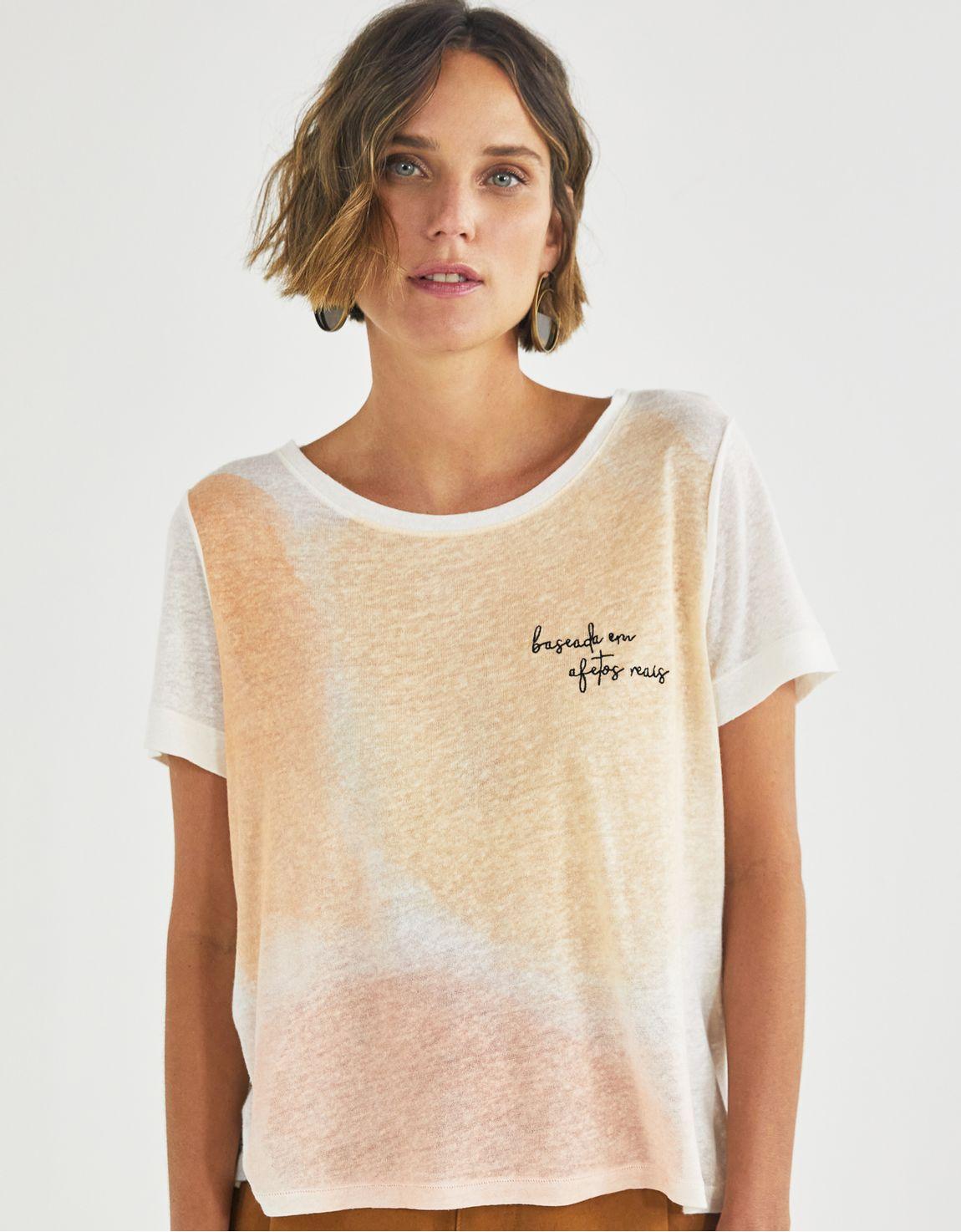 T-shirt baseada em afetos reais