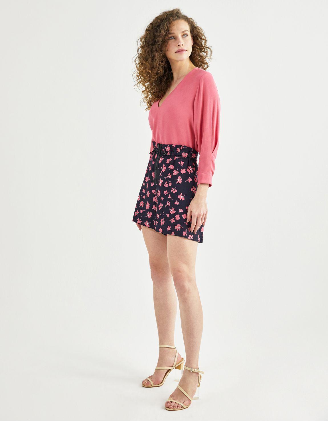 Shorts com elastico