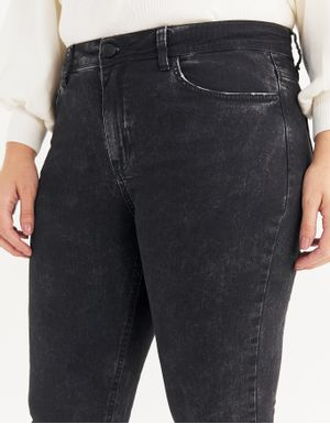 Calça jeans skinny black stonado