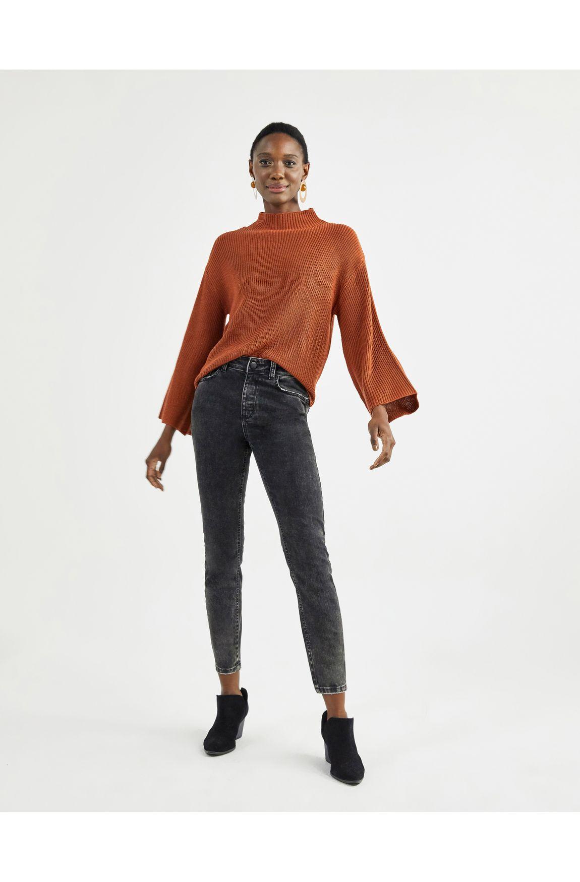 Blusa tricot gola alta manga ampla