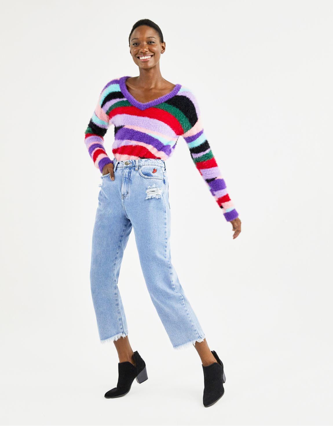 Calça jeans cropped bordado caju