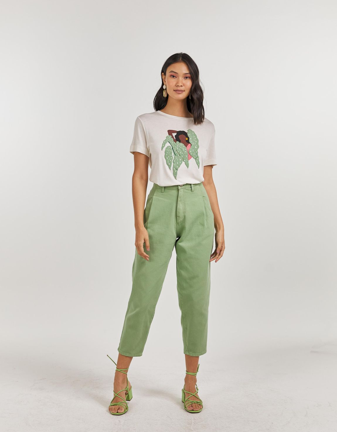 T-shirt mulher begonia